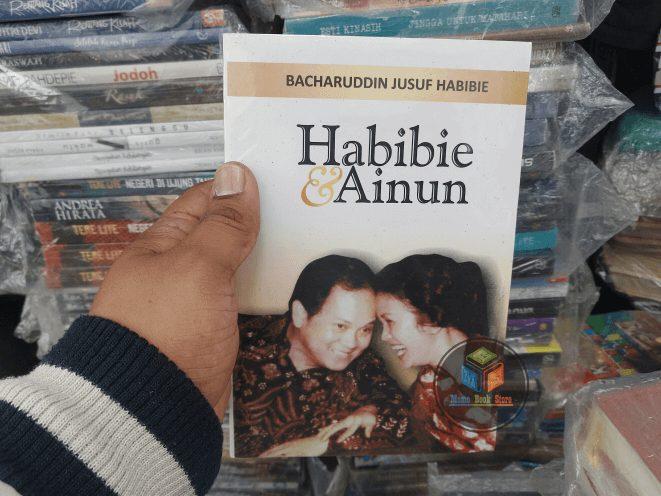 Novel 'Habibie Dan Ainun'